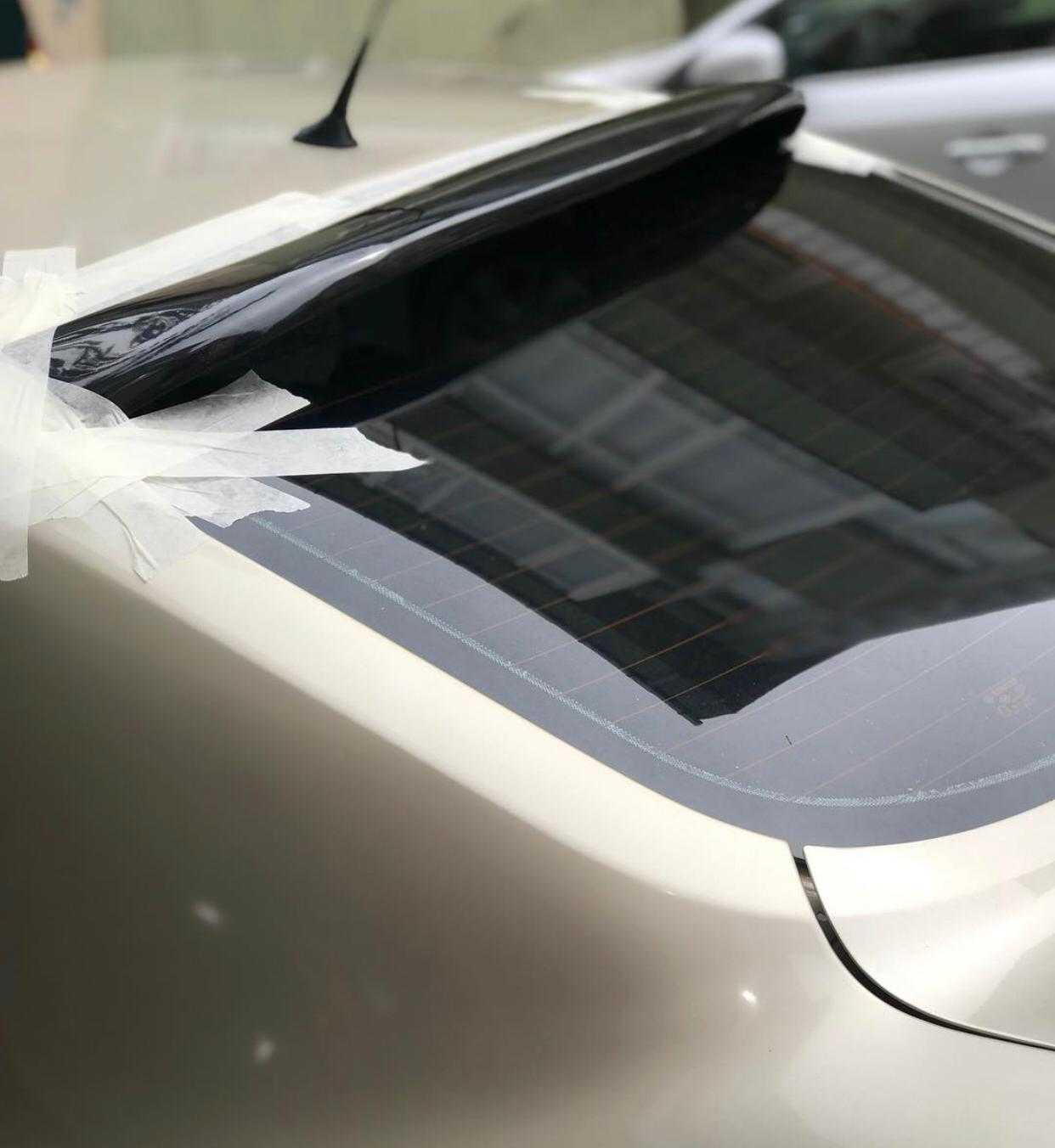 Renault Megane 2 Sedan Cam Üstü Spoiler 2002 - 2012 Parlak Siyah